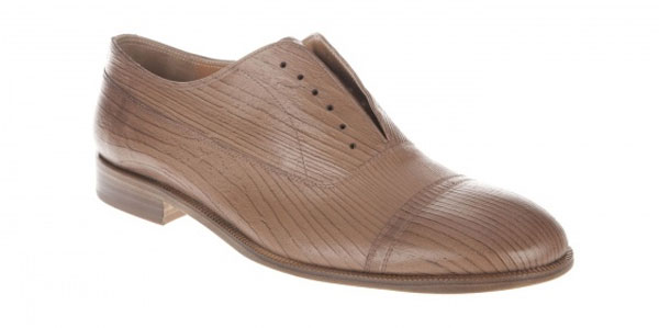 How To Strach Leather Shoes